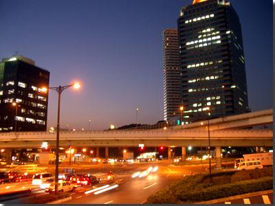 赤坂見附 photo by OptioS 夜景モード F/2.6 1/2秒
