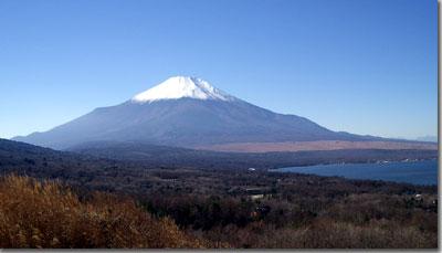 パノラマ台から富士山とすそ野,山中湖を眺める photo by OptioS