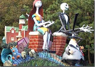 ディズニーハロウィーンパレードのジャックとサリー photo by OptioS
