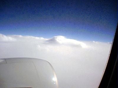 雲の上を飛行中 Photo by PEG-TH55