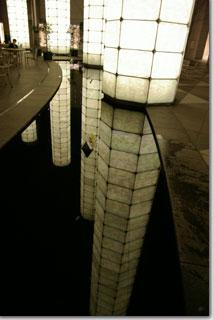 reflection再び photo by *istD 焦点距離 16mm F値F/4 露出時間1/8秒